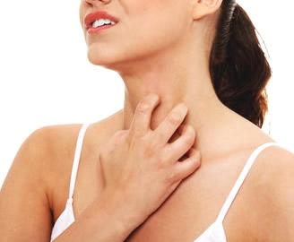 かゆみでかくと、赤く腫れたり、ミミズ腫れになる、蕁麻疹の対処は